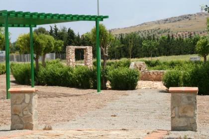 el parque de la serna de herencia unira el colegio publico y el campo de futbol