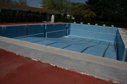 preparacion de la piscina piscina municipal para verano